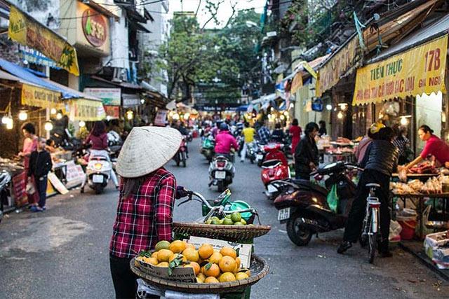 Vietnamese Street food seller
